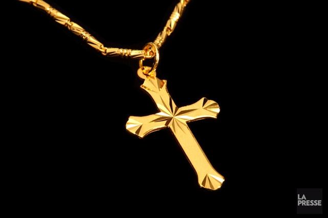 Les petites chaînes de cou arborant un symbole... (Photothèque La Presse)