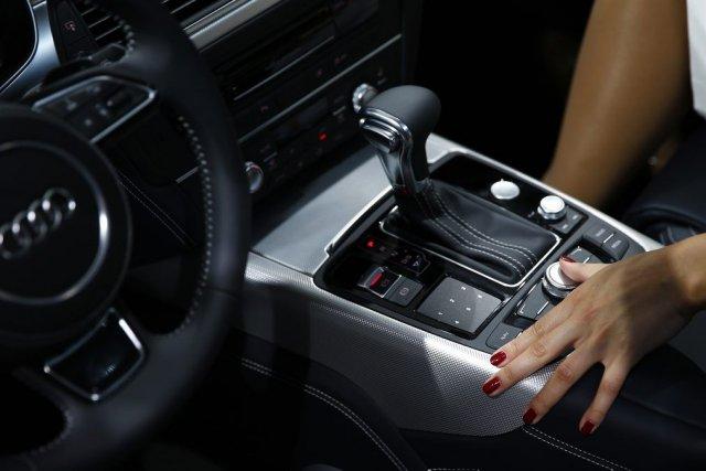 Constructeurs et équipementiers automobiles espèrent bien tirer de nouveaux... (Photo Reuters)