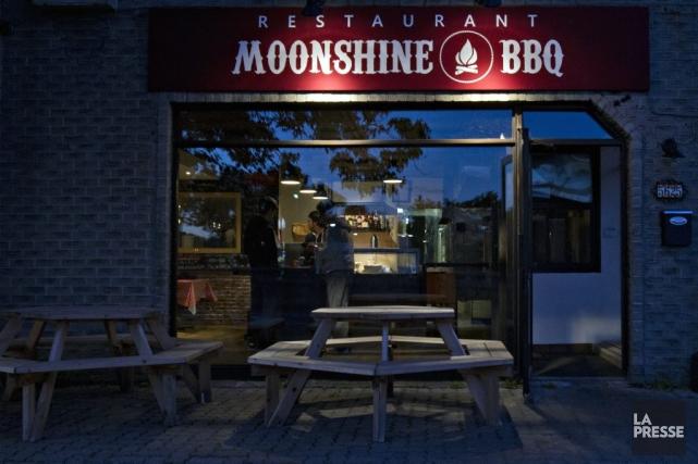 Le Moonshine Barbecue est un nouveau restaurant spécialisé... (PHOTO OLIVIER JEAN, LA PRESSE)