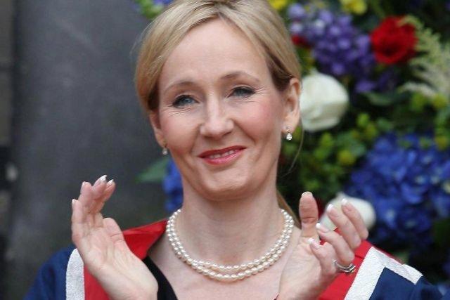 J.K. Rowling écrira le scénario d'un nouveau film... (PHOTO DAVID CHESKIN , AFP)