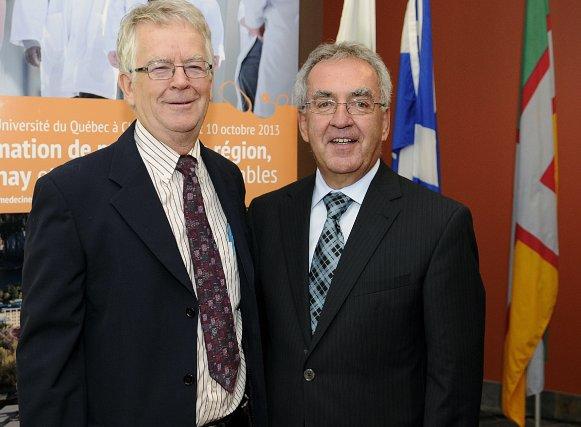 L'économiste Gilles Bergeron et le doyen associé au... (Photo Mariane L. St-Gelais)