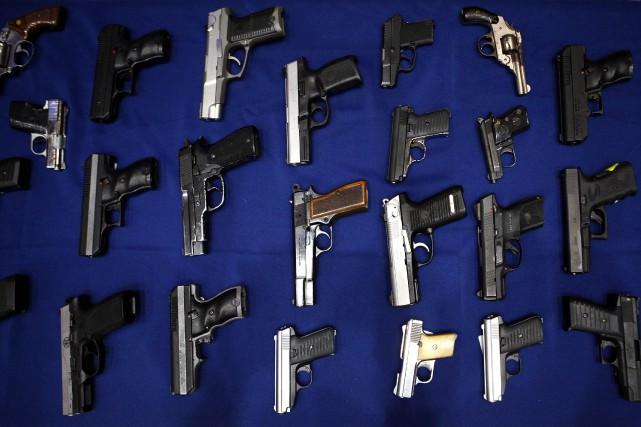 Jusqu'à 300 millions d'armes à feu sont en... (Photo Eric Thayer, archives Reuters)