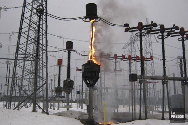 Une déflagration suivie d'un incendie d'une «inductance» au... (Photo La Presse)