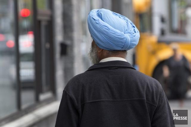 Les policiers new-yorkais sikhs qui en feront la... (Archives La Presse, Robert Skinner)