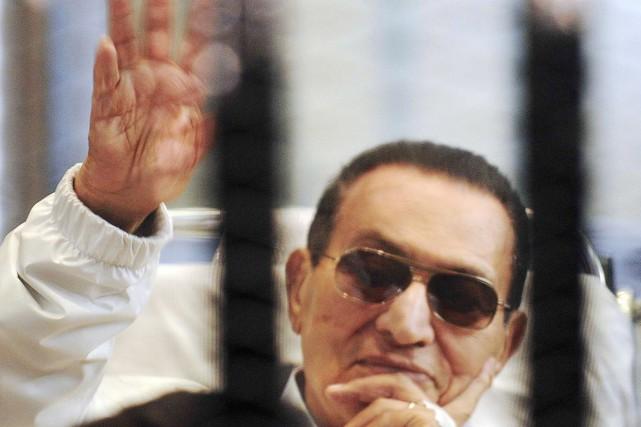 L'ancien président égyptien Hosni Moubarak avait d'abord été... (Photo archives Reuters)