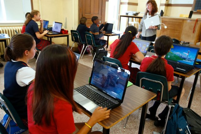 Puisqu'ils sont connectés dans le nuage, les élèves... (Photo Le Soleil, Yan Doublet)