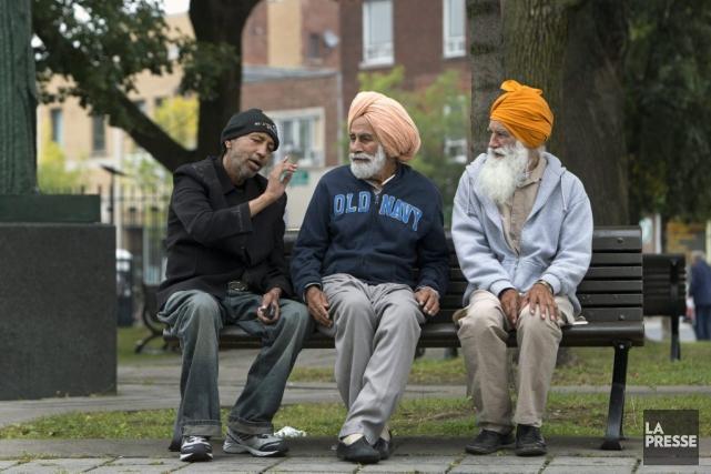 Les musulmans, juifs, sikhs, et hindousseraient-ils aussi bien... (PHOTO ROBERT SKINNER, LA PRESSE)