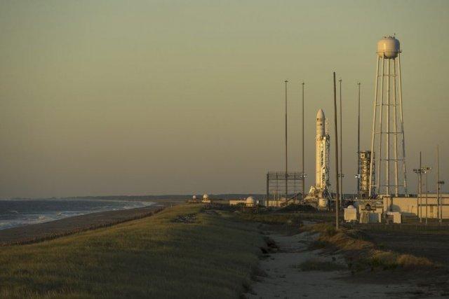 La société privée Orbital Sciences a lancé mercredi pour la première fois sa... (Photo fournie par la NASA)