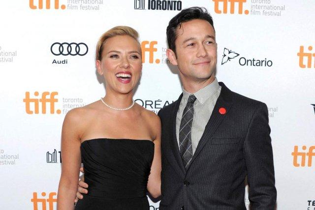 Scarlett Johansson et Joseph Gordon-Levitt ont présenté Don... (PHOTO EVAN AGOSTINI, AP)
