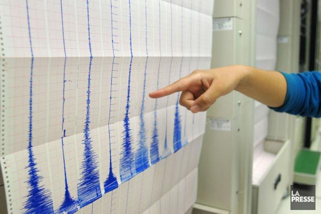 Un fort séisme de magnitude6,5 a frappé jeudi au large des côtes nord de la... (PHOTO ARCHIVES AFP)