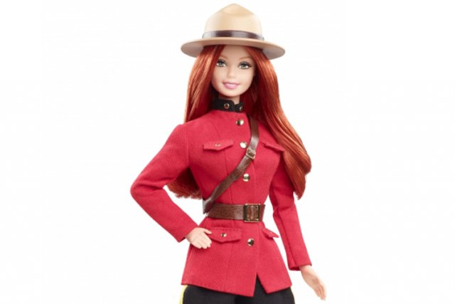 La poupée Barbie à l'effigie de la GRC.... (Photo tirée du site The Mountie Shop)