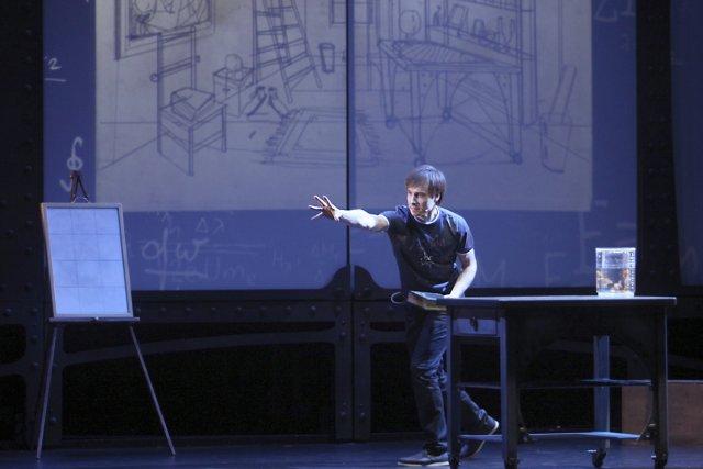 Dans son premier spectacle sur scène, Luc Langevin... (Photo: fournie par la production)