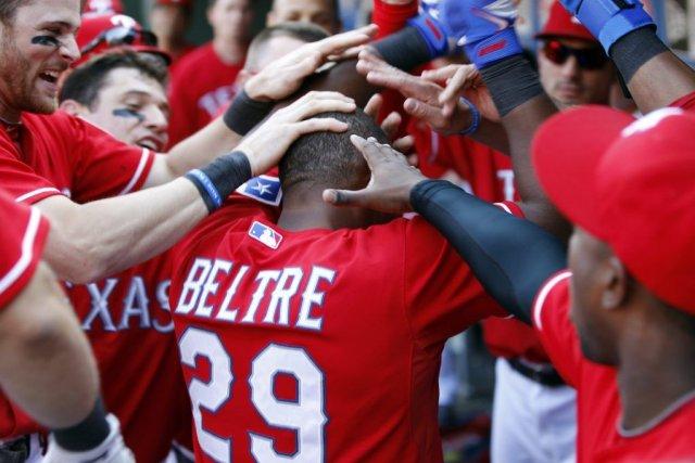 Adrian Beltre (29) des Rangers du Texas est... (PHOTO MIKE STONE, REUTERS)