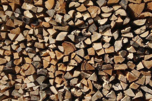 chauffage bien choisir sa corde de bois charles douard carrier conseils. Black Bedroom Furniture Sets. Home Design Ideas