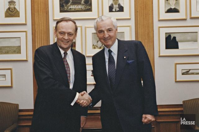 Paul Desmarais en compagnie de Jean Chrétien.... (Photo archives La Presse)