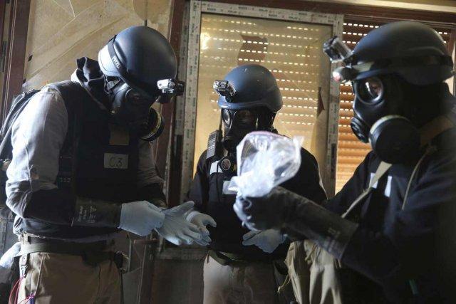 Des experts de l'OIAC.... (Photo Mohamed Abdullah, Reuters)