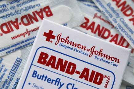 Le groupe pharmaceutique américain Johnson & Johnson (JNJ) a... (Photo archives AP)