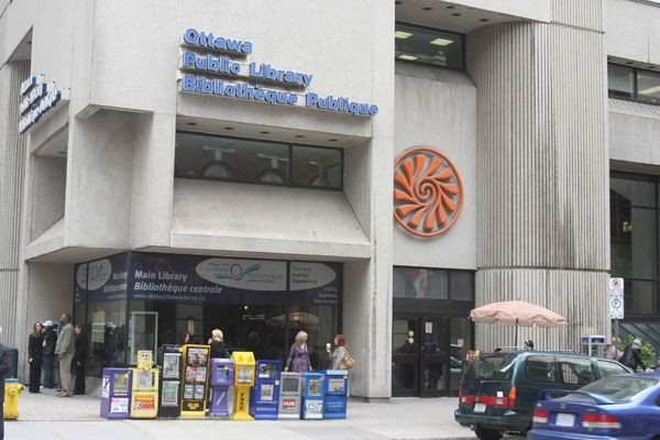 La bibliothèque publique d'Ottawa sera fermée lundi.... (Patrick Woodbury, LeDroit)