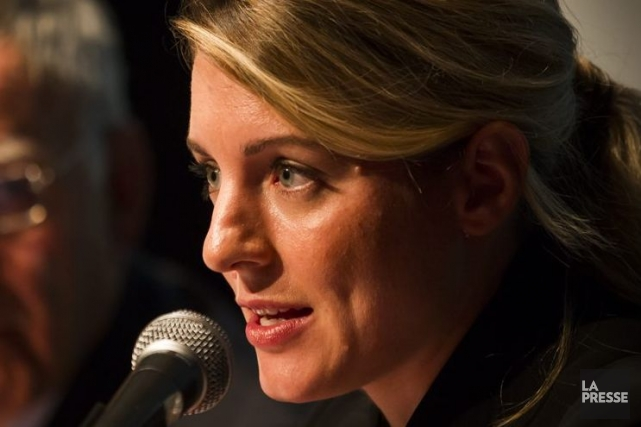 Mélanie Joly assure qu'elle compte bien rester en... (PHOTO OLIVIER PONTBRIAND, ARCHIVES LA PRESSE)