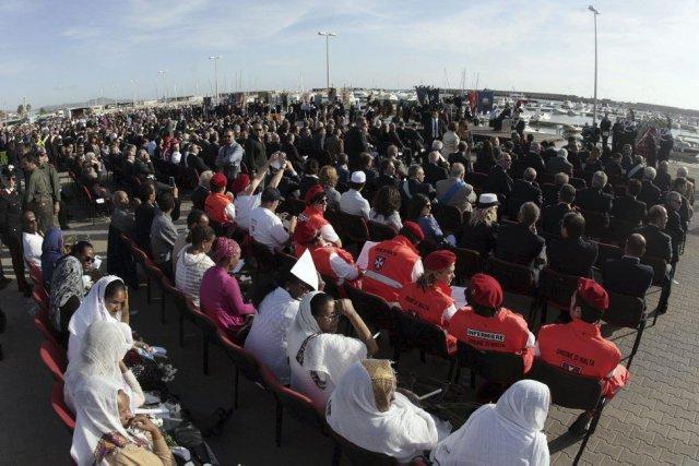 Plusieurs dizaines de personnes parmi les 155 survivants... (PHOTO MARCELLO PATERNOSTRO, AFP)