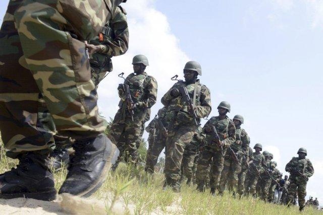 Des membres de l'armée nigériane au cours d'un... (Photo AFP)