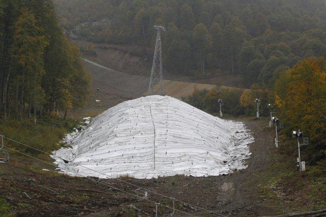 Sept réserves de neige ont été spécialement aménagées... (Photo Sergei Grits, AP)
