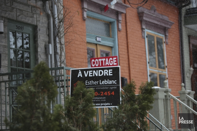 Selon l'association, les ventes résidentielles traitées par l'entremise... (Photo Martin Chamberland, archives La Presse)