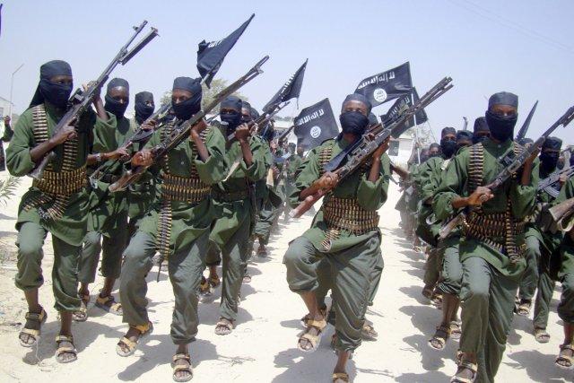 Selon l'armée kényane, l'attaque a visé jeudi soir... (PHOTO MOHAMED SHEIKH NOR, ARCHIVES AP)