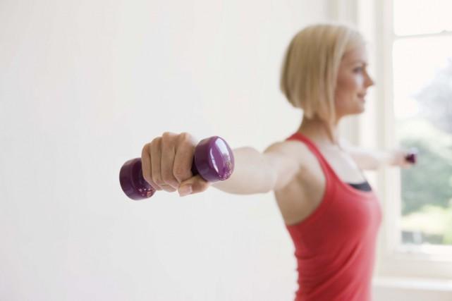 L'activité physique même modérée peut prévenir la dépression... (Photos.com)