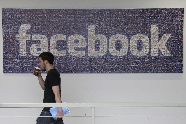 Facebooka beaucoup augmenté ses recettes publicitaires ces derniers... (Photo Jeff Chiu, Archives AP)