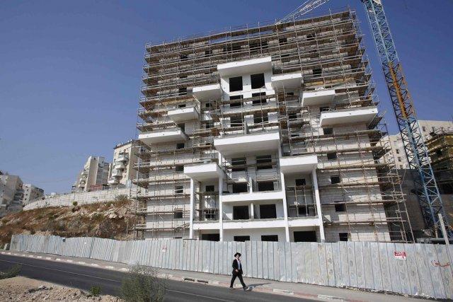 Nétanyahou a annoncé la construction de 1800 nouveaux... (PHOTO BAZ RATNER, ARCHIVES REUTERS)