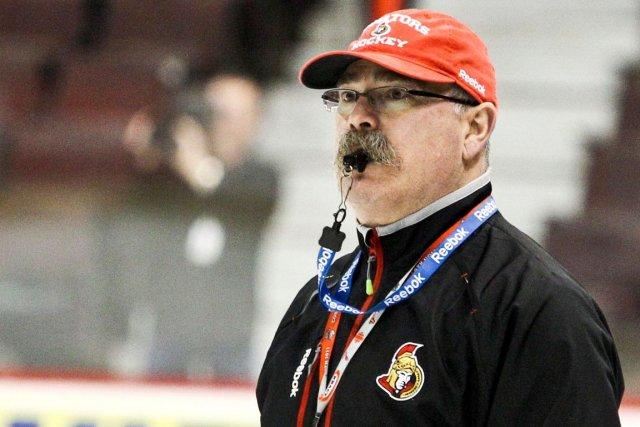 L'entraîneur-chef Paul MacLean.... (ARCHIVES, LeDroit)