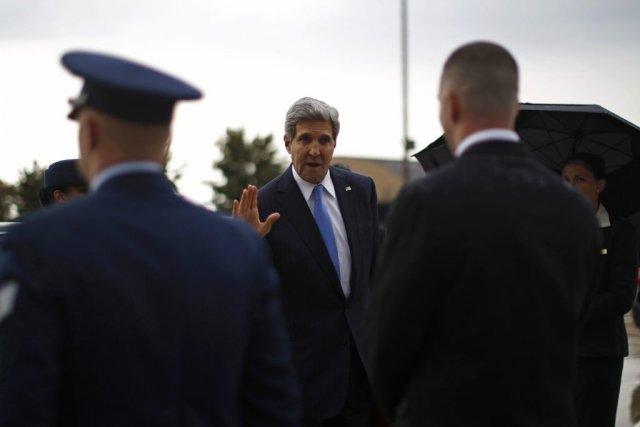 La tournée de John Kerry doit se poursuivre... (PHOTO JASON REED, REUTERS)