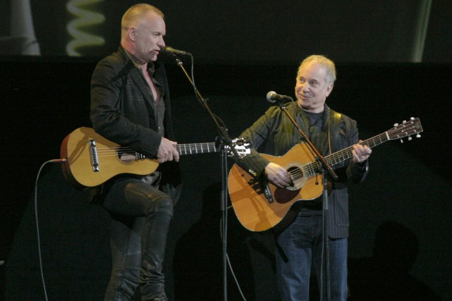 Sting et Paul Simon lors d'un concert en... (Photo: archives AP)