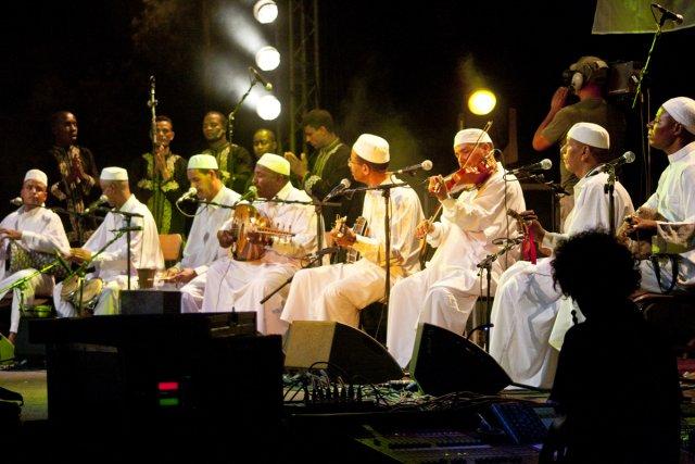 Le groupe El Ferda était chargé de faire... (Photo: fournie par le festival)