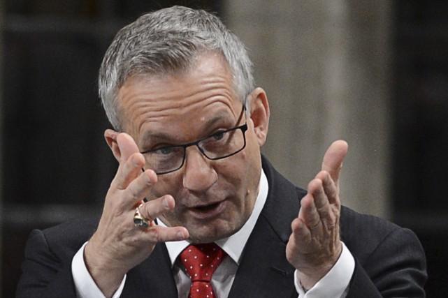 Le ministre du Commerce international Ed Fast s'étonne... (Photo archives La Presse Canadienne)