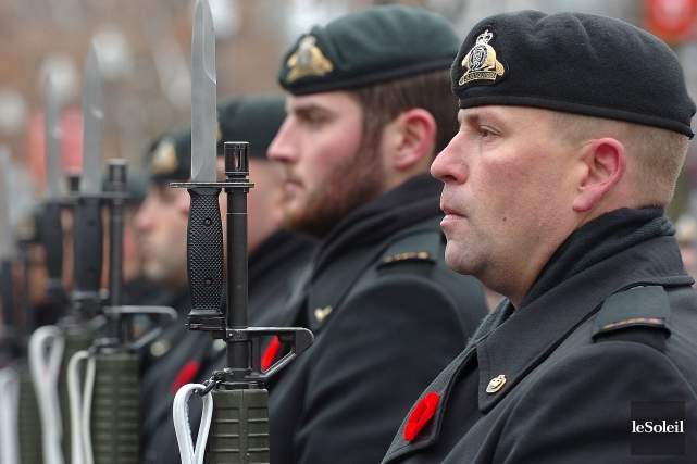 Des militaires et des anciens combattants de la... (Le Soleil, Jean-Marie Villeneuve)