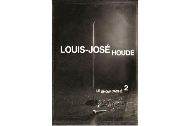 Louis-José Houde ne s'éparpille pas dans 14 000 projets télé, radio ou web. Il...