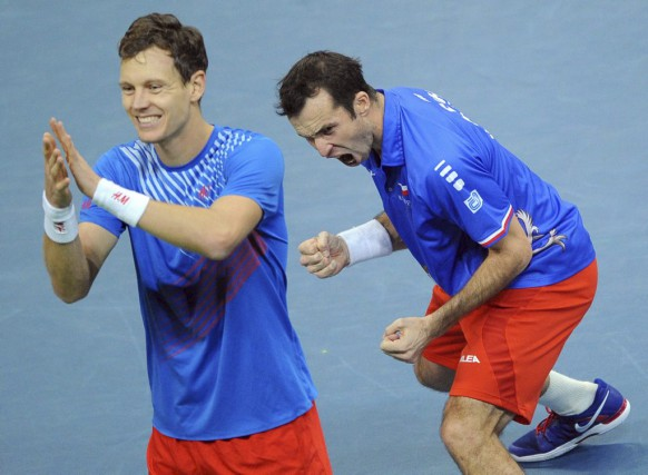 Tomas Berdych (à gauche) et Radek Stepanek.... (PHOTO ANDREJ ISAKOVIC, ARCHIVES AFP)