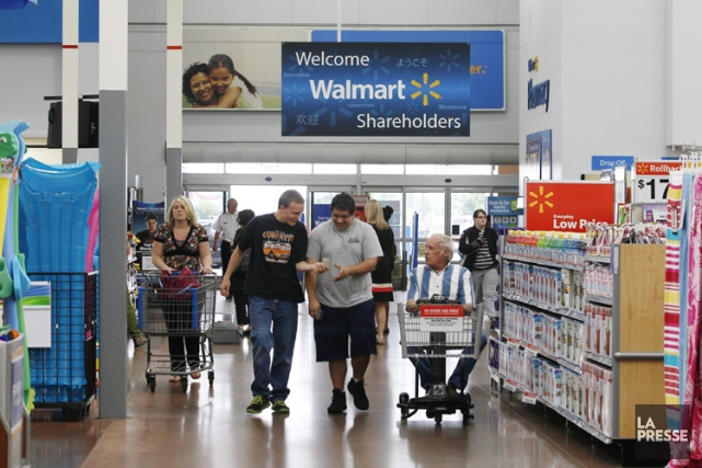 Les ventes au détail aux États-Unis ont augmenté davantage que prévu en... (Photo Reuters)