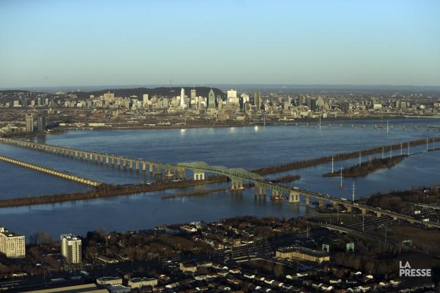 Une fissure dans la poutre «28W-29W P7» du pont Champlain tient toute une... (PHOTO MARTIN CHAMBERLAND, LA PRESSE)