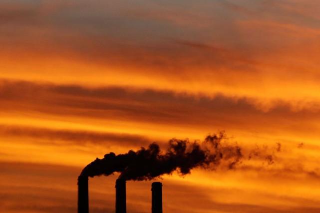 Le rapport, qui mesure les émissions de 2012,... (PHOTO CHARLIE RIEDEL, ARCHIVES AP)