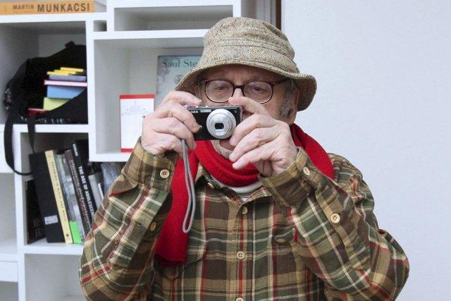 Saul Leiter photographié en 2008.... (Photo: archives AFP)