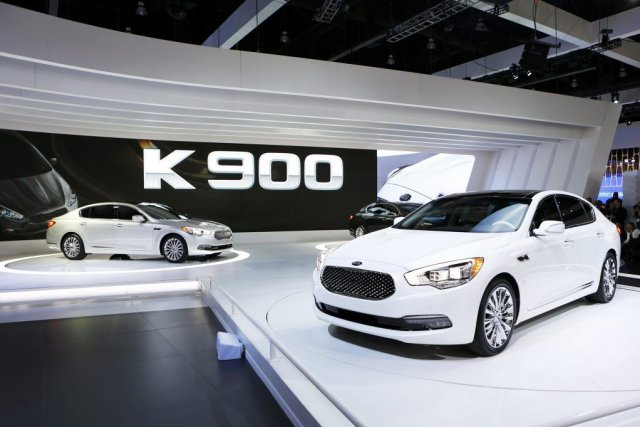 La Kia K 900, premier modèle de luxe... (Photo Mike Blake, Reuters)
