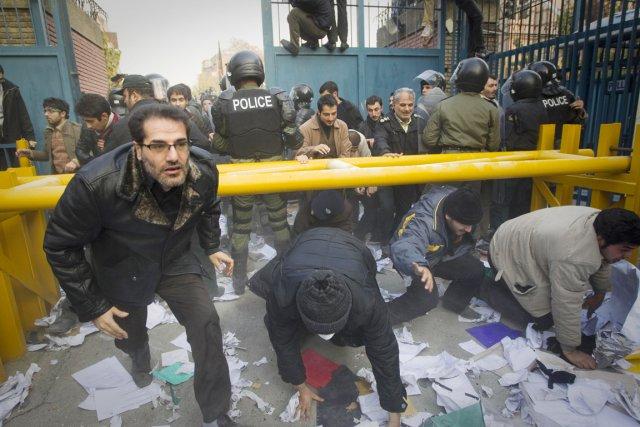 L'ambassade d'Iran à Londres avait été fermée en... (PHOTO ARCHIVES REUTERS/STRINGER)