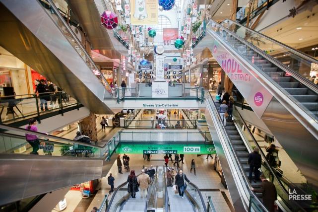 Malgré les menaces proférées contre des centres commerciaux occidentaux par le... (PHOTO EDOUARD PLANTE-FRÉCHETTE, ARCHIVES LA PRESSE)