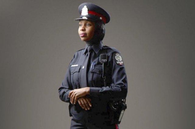 Pour concevoir le voile, le Service de police... (Photo La Presse Canadienne)