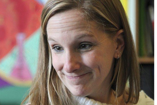L'éducatrice spécialisée Julie Côté (photo) et les pairs... (photo Alain Dion)