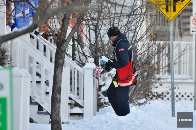 La Société canadienne des postes a annoncé qu'elle... (PHOTO ÉMILIE O'CONNOR, ARCHIVES LE NOUVELLISTE)