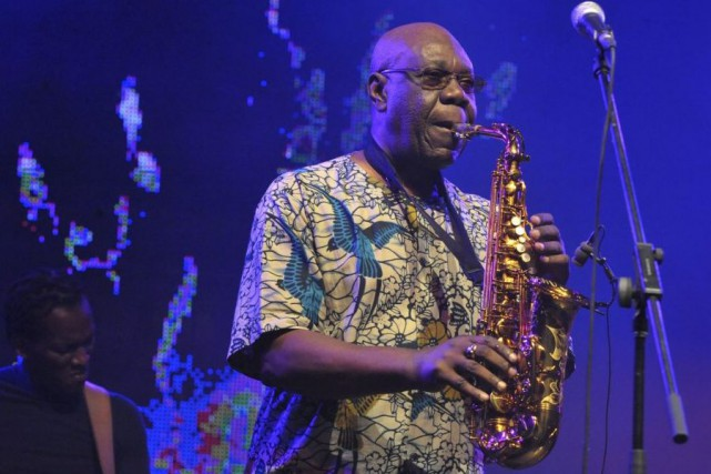 Manu Dibango en spectacle en juillet 2011.... (PHOTO ARCHIVES AFP)